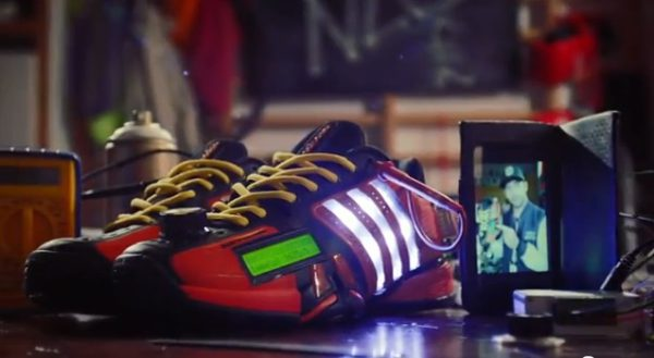 Adidas Barricade, las zapatillas que tuitean