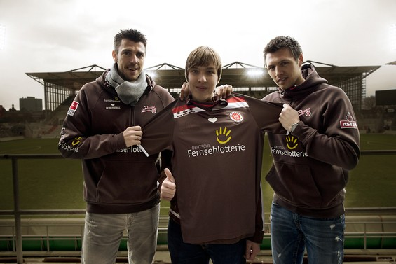 St Pauli presenta su nueva camiseta alternativa diseñada por un fan