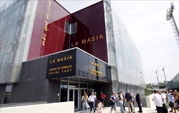La Masia, dos años sin publicidad, a pesar de contrato para explotar esta vía