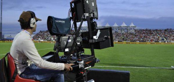 Los contratos audiovisuales no podrán tener más de tres años de vigencia