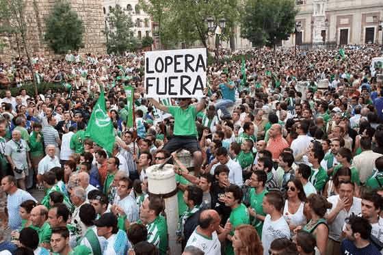 """El juez rechaza devolver el control del Betis a Lopera por """"riesgo"""" de delito"""