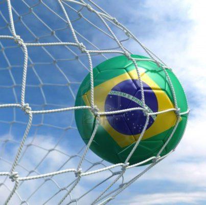7827066 representacion 3d de un balon de futbol brasileno en una red