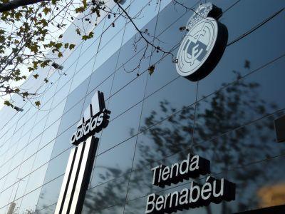 El Real Madrid externaliza la gestión de su red de tiendas oficiales