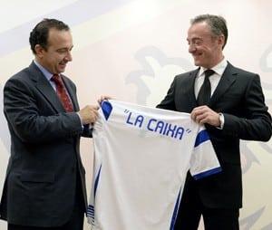 La Caixa cambia nóminas por abonos de temporada en el Zaragoza