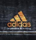 adidas-futbol-fondo-de-escritorio-logotipo-amarillo-en-borde-jean-235766