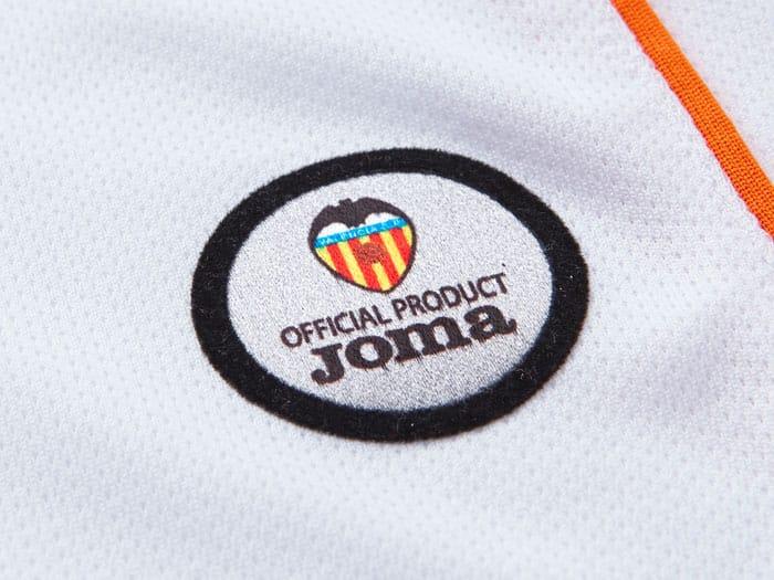 El Valencia trabaja para sustituir Joma por Adidas