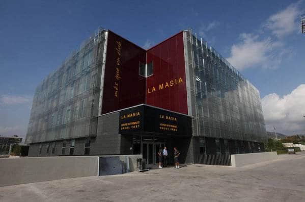 Demandan al FC Barcelona por impagos en las obras de La Masia