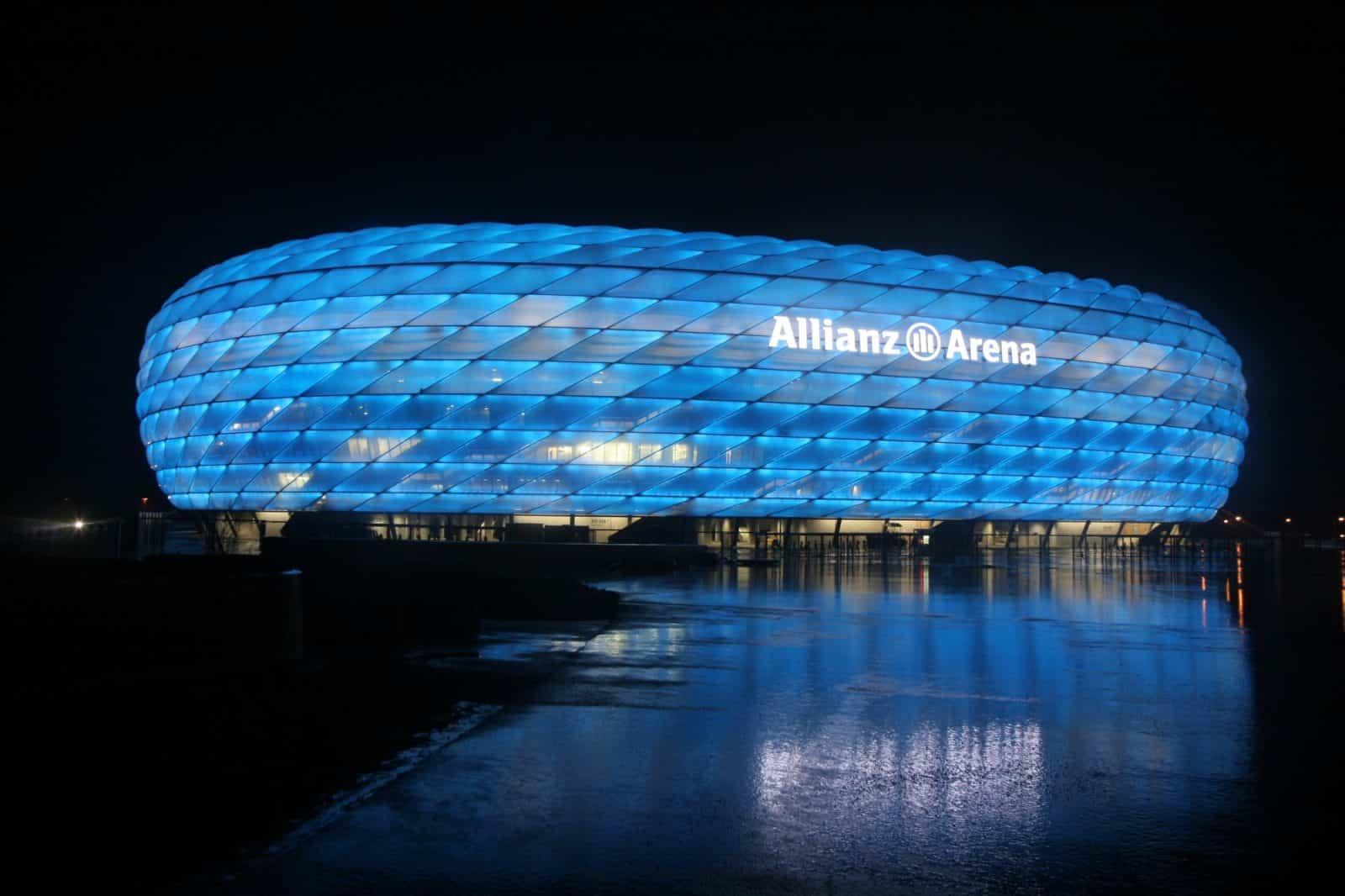 allianz arena at night munich1