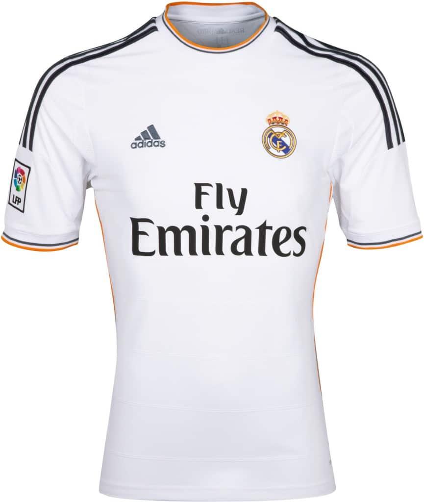 Adidas quiere que el Real Madrid suba los precios de las camisetas