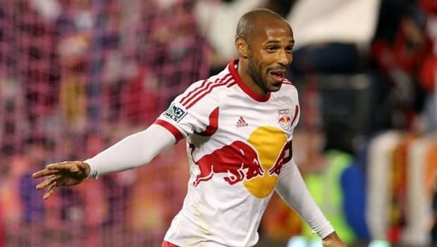Thierry Henry causa furor con su cuenta de Twitter