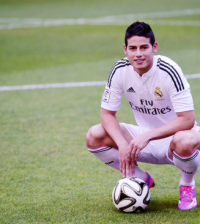 james-rodriguez-luciendo-la-camiseta-real-madrid-10