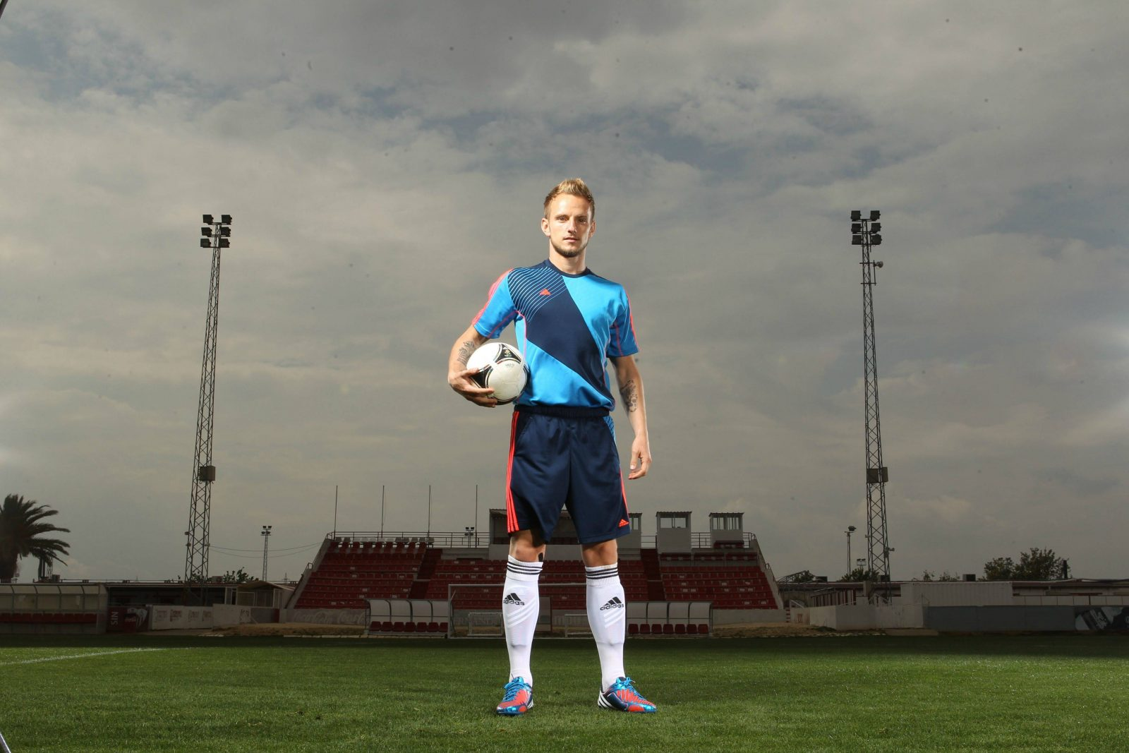 Las nuevas botas Adidas de Rakitic para la temporada 2014-15