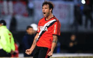 Nueva camiseta de River Plate / Agencias