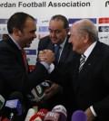Al Hussein y Joseph Blatter en una Conferencia de FIFA