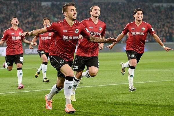 Jako ya está presente en el fútbol alemán, siendo proveedor oficial de varios equipos de la Bundesliga como el Hannover 96 o el SV Darmstadt 98 y de la Bundesliga 2 como el Karlsruhe SC. Fuente: focus.de