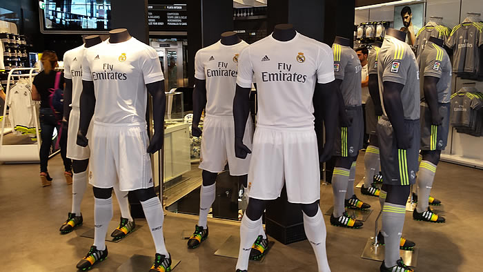 El Real Madrid negocia con Adidas para tener la camiseta más cara del mundo