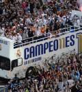 el-autobus-del-real-madrid-pasea-a-los-jugadores-y-a-la-undecima-champions--realmadridcf