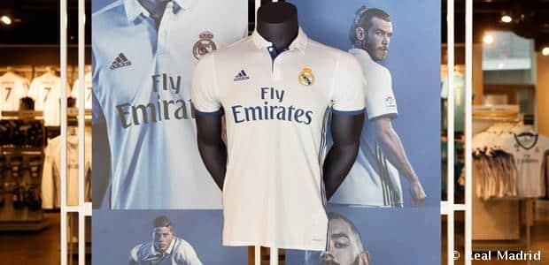 El Real Madrid amenza el liderato del United en venta de camisetas