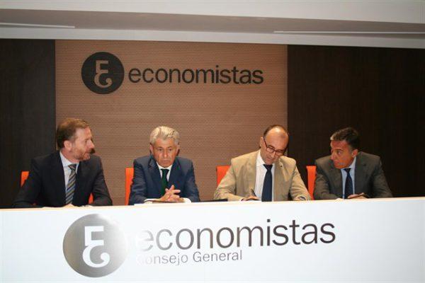 Laliga y el consejo de economistas elaborarán un manual de recomendaciones para los clubes de fútbol