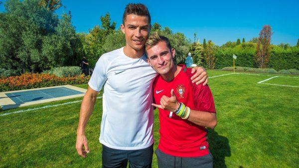 Cristiano Ronaldo se ayuda de un notable youtuber para presentar sus nuevas botas