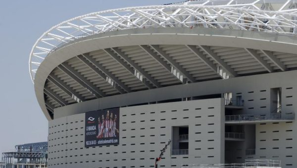 Carlos Slim da el primer paso para entrar en el Atlético de Madrid