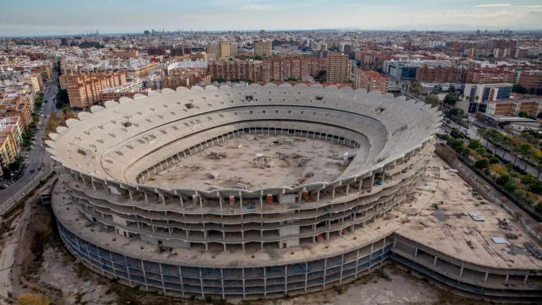 Leyenda valencianista no ve solución a la deuda brutal del Valencia CF